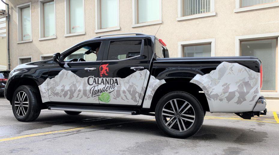 PlotFactory AG Fahrzeugbeschriftung Adcom Calanda Pickup (3)